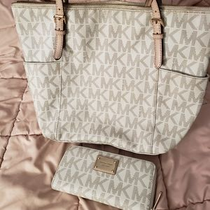 Michael Kors Tan Jetset Tote Bag with wallet